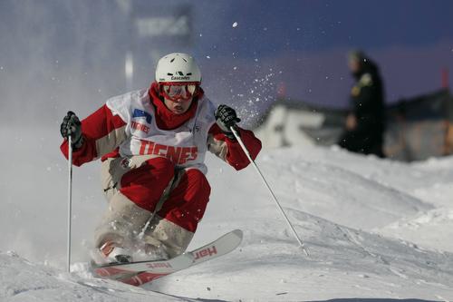 Moguls skiing