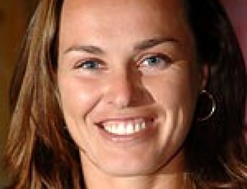 Hingis to enter International Tennis Hall of Fame