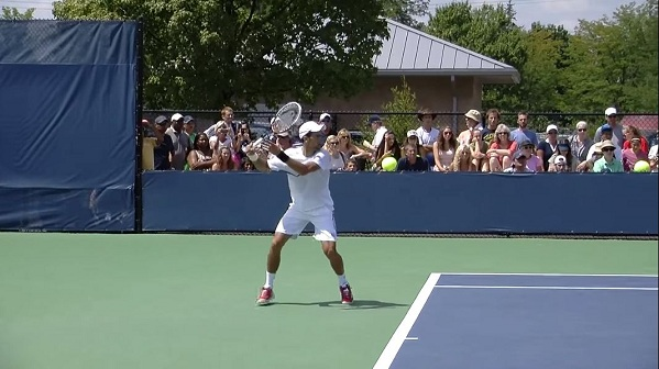 Novak Djokovic Forehand In Full And Slow Motion Djokovic Forehand 14 Free Tennis Lessons From Essential Tennis